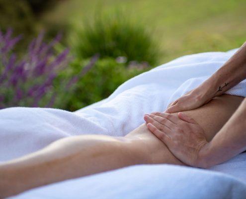 Enjoy Relaxation Massage at Woodside Bay Waiheke Island