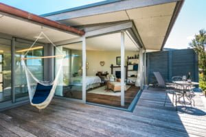 The Green Room Exterior Luxury Accommodation Woodside Bay
