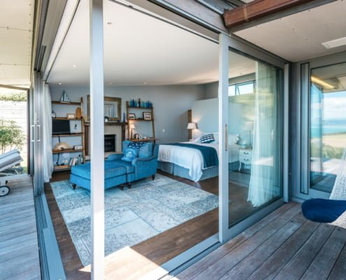 The Blue Room Luxury Accommodation Woodside Bay