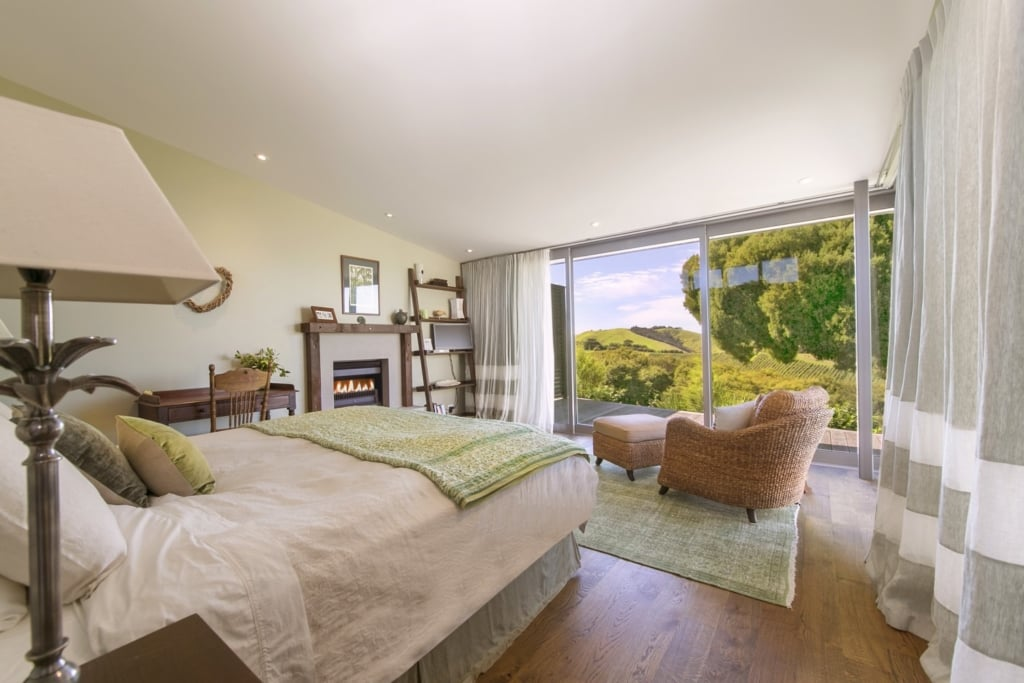 The Green Room Luxury Accommodation Woodside Bay